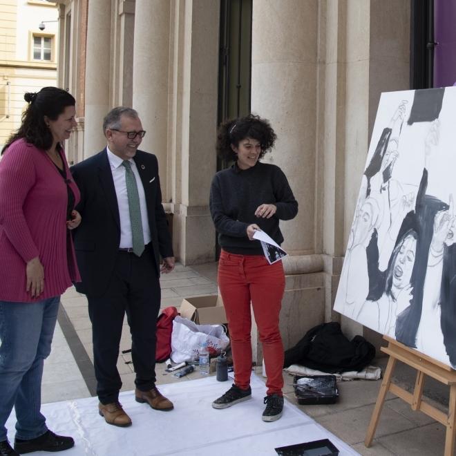 La Diputació camina cap al 8M amb una representació pictòrica en directe del moviment feminista