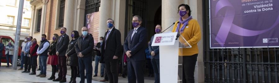 La Diputación de Castellón hace sentir su voz en contra de la violencia de género con microrrelatos y la lectura de la declaración institucional